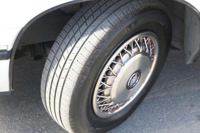 1997 Buick LeSabre Custom Santa Clarita, CA 24
