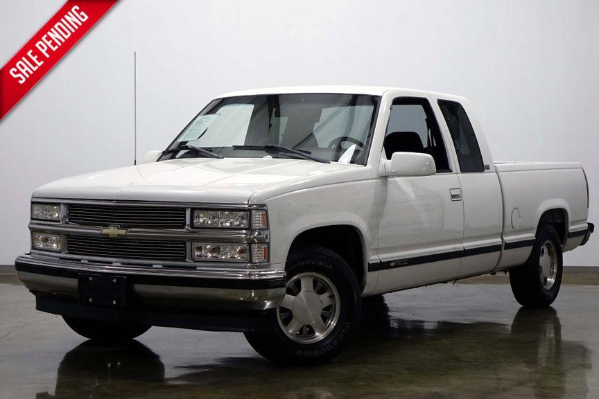 1997 Chevrolet C/K1500 Silverado Extended Cab Three Door V8 Automatic | Dallas Texas | Shawnee Motor Company