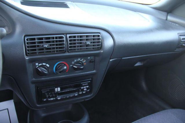1997 Chevrolet Cavalier 5 SPEED Santa Clarita, CA 19