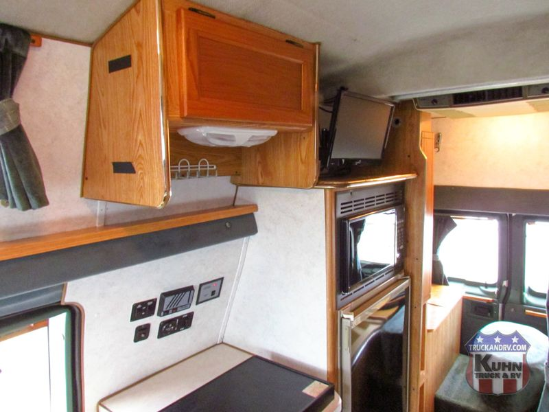 1997 Coachmen Van Camper Series M-19RB  in Sherwood, Ohio