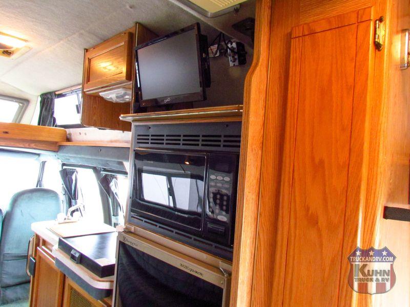 1997 Coachmen Van Camper Series M-19RB  in Sherwood, Ohio