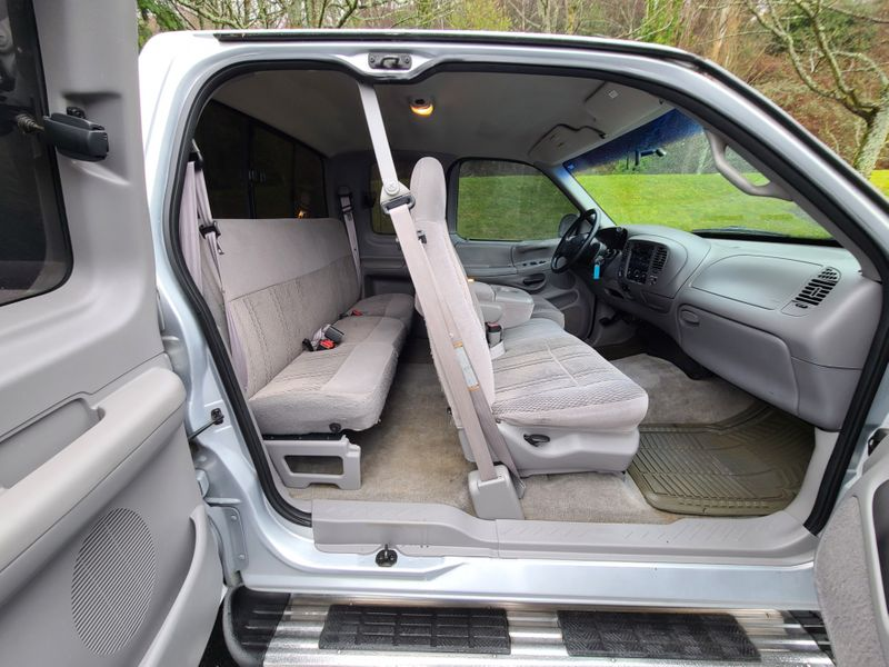 1997 Ford F-150 XLT 4x4 Flair-Side or Step-Side Bed Extended Cab 3 Door 46 V8  Local 1 Owner History  city Washington  Complete Automotive  in Seattle, Washington