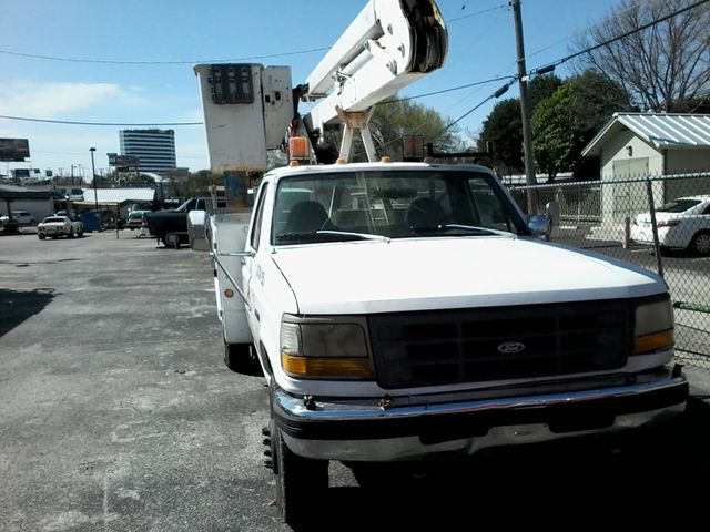 1997 Ford F-Super Duty Chassis Cab bucket Lift Truck San Antonio, Texas 1