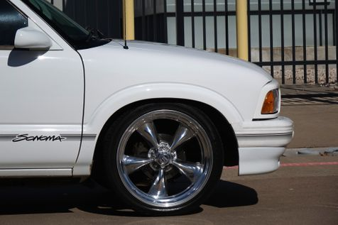 1997 GMC Sonoma SLS*Only 63k*Lowered*Classic Small* Manual** | Plano, TX | Carrick's Autos in Plano, TX