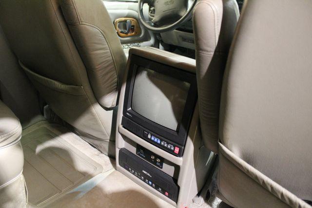 1997 GMC SUBURBAN 2500 CONVERSION 7.4L 4X4 in Roscoe, IL 61073