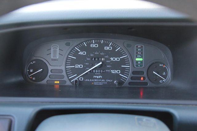 1997 Honda Odyssey LX Santa Clarita, CA 19