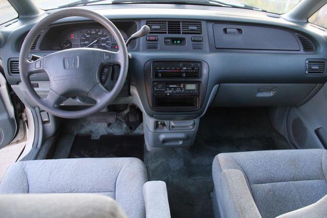 1997 Honda Odyssey LX Santa Clarita, CA 7