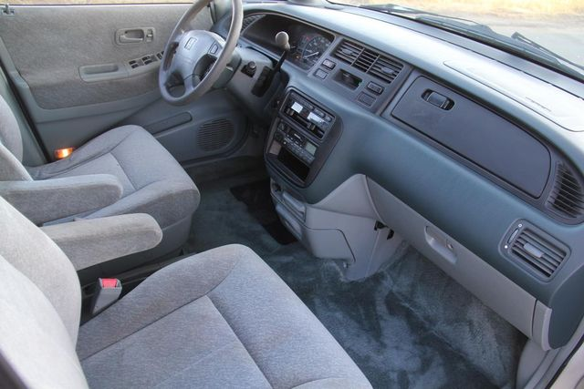 1997 Honda Odyssey LX Santa Clarita, CA 9