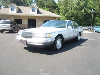1997 Lincoln Town Car Signature Batesville, Mississippi 2