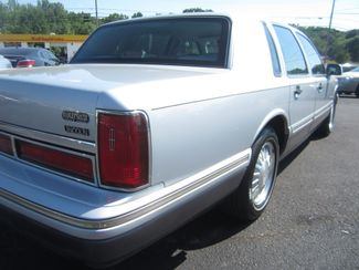 1997 Lincoln Town Car Signature Batesville, Mississippi 13