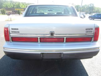 1997 Lincoln Town Car Signature Batesville, Mississippi 11