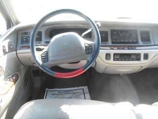 1997 Lincoln Town Car Signature Batesville, Mississippi 21