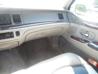 1997 Lincoln Town Car Signature Batesville, Mississippi 23