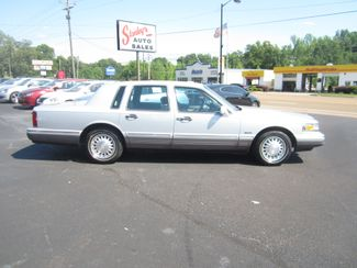 1997 Lincoln Town Car Signature Batesville, Mississippi 1