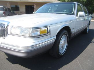 1997 Lincoln Town Car Signature Batesville, Mississippi 8