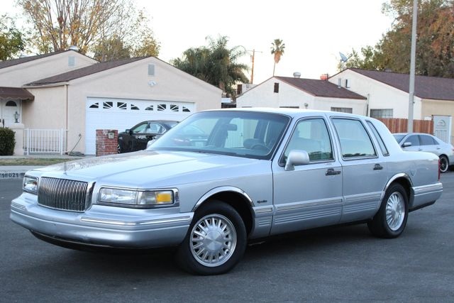 1997 Lincoln Town Car Signature Sedan Automatic Service Records