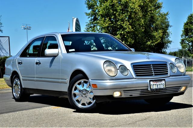 1997 Mercedes-Benz E320