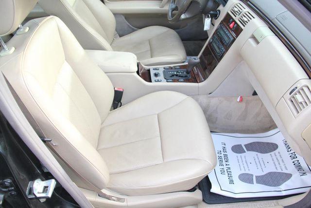 1997 Mercedes-Benz E320 Santa Clarita, CA 16