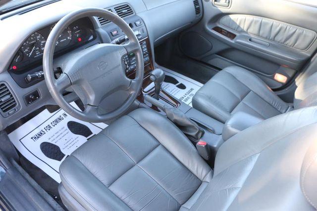 1997 Nissan Maxima GLE Santa Clarita, CA 8