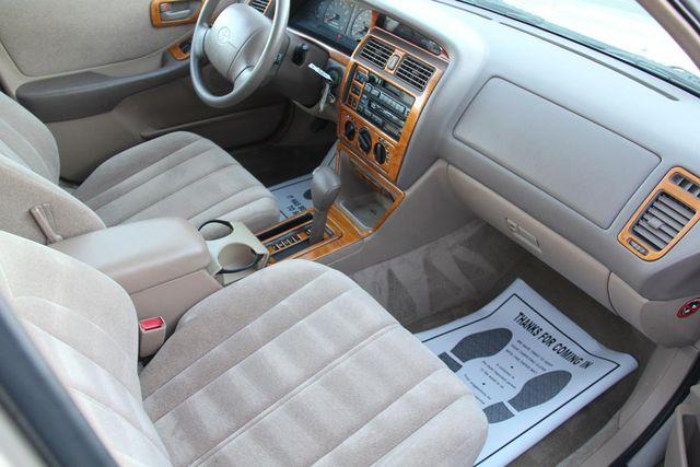 1997 Toyota Avalon XL Santa Clarita, CA 9
