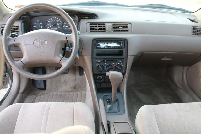 1997 Toyota Camry LE Santa Clarita, CA 7