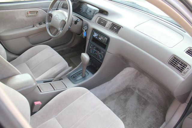1997 Toyota Camry LE Santa Clarita, CA 9