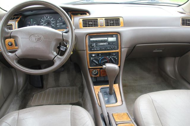 1997 Toyota Camry XLE Santa Clarita, CA 7