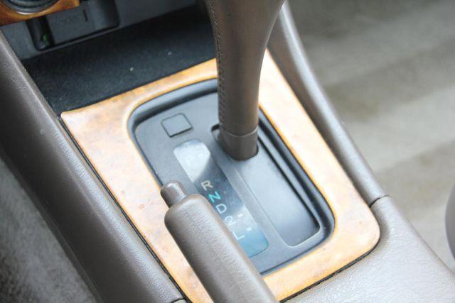 1997 Toyota Camry XLE Santa Clarita, CA 24