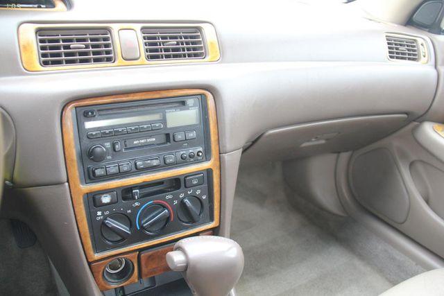 1997 Toyota Camry XLE Santa Clarita, CA 19