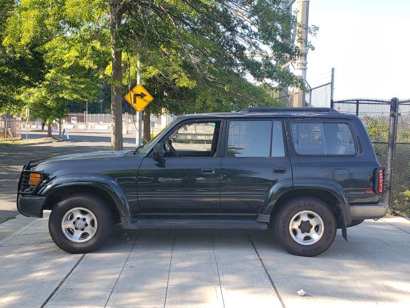 1997 Toyota Land Cruiser 4 Wheel Drive  Runs Needs Paint  Interior Keep as is or Restore   city Washington  Complete Automotive  in Seattle, Washington