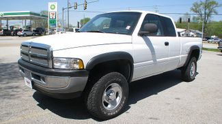 1998 Dodge Ram 1500 Club Cab SLT in Coal Valley, IL 61240