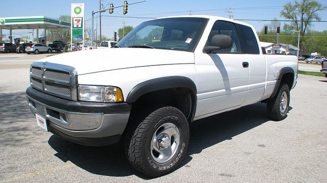 1998 Dodge Ram 1500 Club Cab SLT