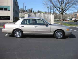 1998 *Sale Pending* Ford Crown Victoria Conshohocken, Pennsylvania 11