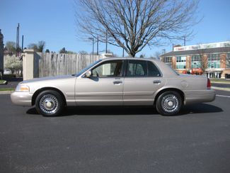 1998 *Sale Pending* Ford Crown Victoria Conshohocken, Pennsylvania 2