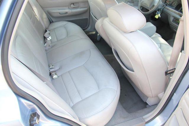 1998 Ford Crown Victoria LX Santa Clarita, CA 16