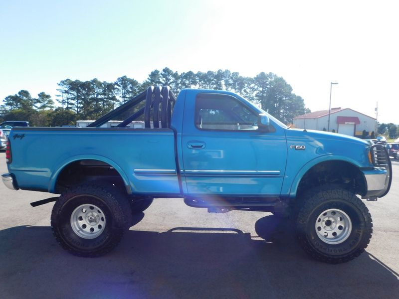 1998 Ford F-150 Standard   city TN  Doug Justus Auto Center Inc  in Airport Motor Mile ( Metro Knoxville ), TN