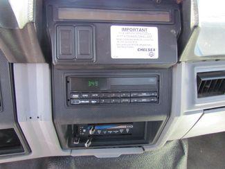 1998 Ford F800   Glendive MT  Glendive Sales Corp  in Glendive, MT