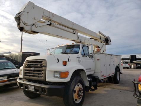 1998 Ford F800  in New Braunfels