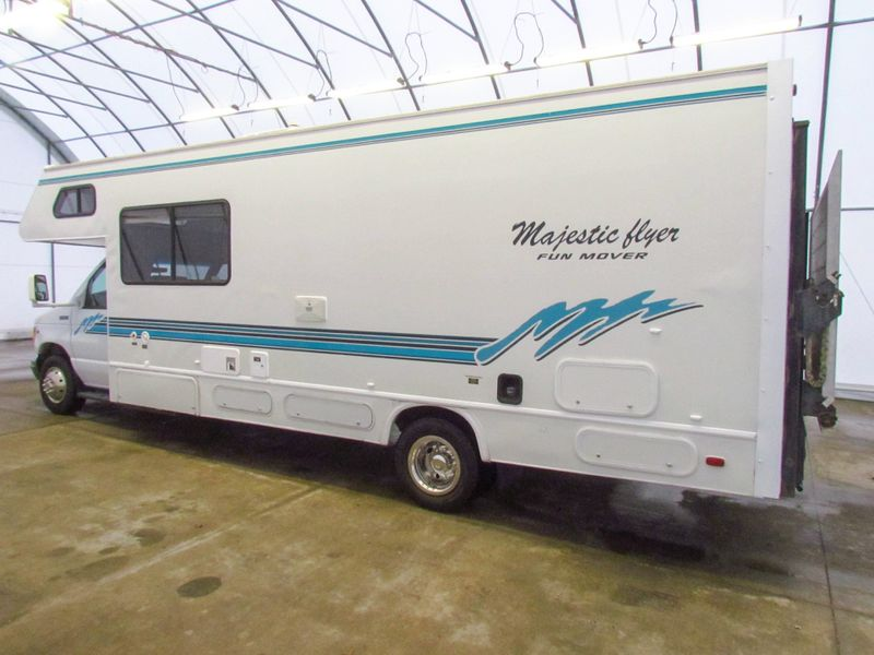 1998 Four Winds Fun Mover Majestic Flyer  in Sherwood, Ohio