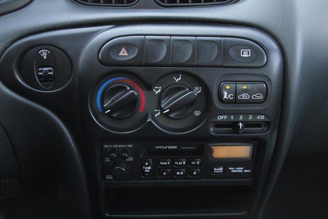 1998 Hyundai Elantra Santa Clarita, CA 20