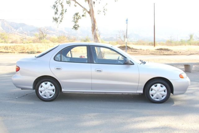 1998 Hyundai Elantra Santa Clarita, CA 12
