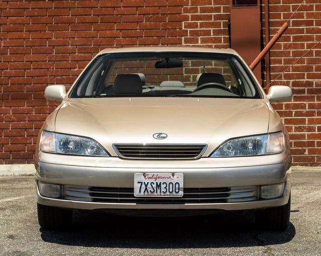 1998 Lexus ES 300 Luxury Sport Sdn Burbank, CA 1