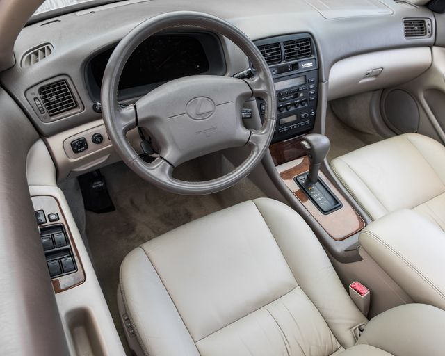 1998 Lexus ES 300 Luxury Sport Sdn Burbank, CA 13
