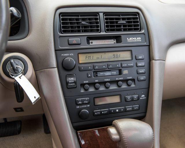 1998 Lexus ES 300 Luxury Sport Sdn Burbank, CA 17