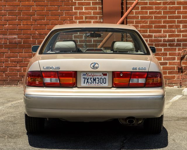 1998 Lexus ES 300 Luxury Sport Sdn Burbank, CA 6