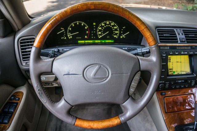 1998 Lexus LS 400 Luxury Sdn in Reseda, CA, CA 91335