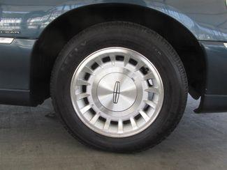 1998 Lincoln Town Car Executive Gardena, California 13