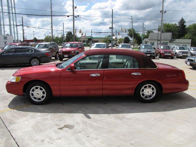1998 Lincoln Town Car Signature Medina Ohio Peak Auto Sales