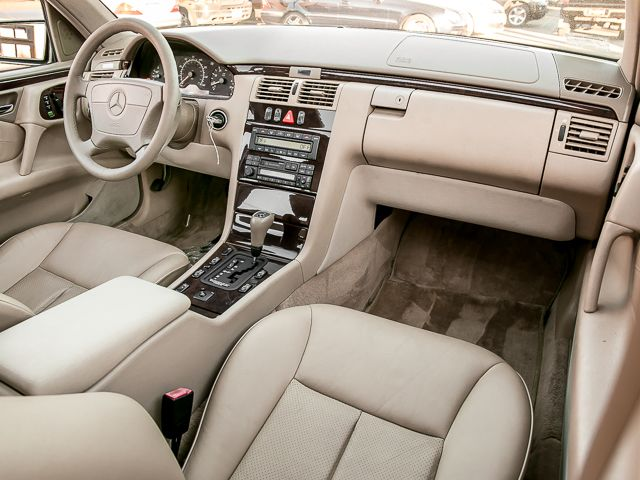 1998 Mercedes-Benz E320 Burbank, CA 12