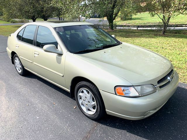 1998 Nissan Altima GXE in Knoxville, Tennessee 37920